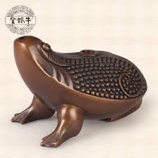 the sale of gold copper ornaments toad snail drop copper room