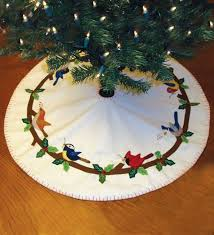 Quilted Christmas Tree Skirts To Make - 139 best christmas tree skirts images on pinterest christmas
