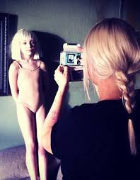 Chandelier Choreography Sia Furler Source On Sia Maddieziegler Backstage At