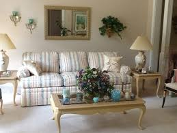 love my sofa need help with livingroom