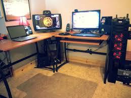 Cool Computer Desk Cool Computer Desk Setups Cool Computer Setups And Gaming Setups