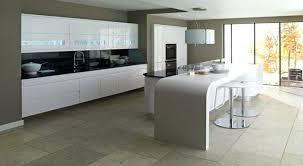 faience cuisine et blanc cuisine carrelage gris cuisine cuisine blanche carrelage gris