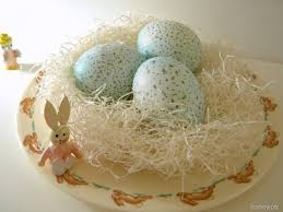 Easter Egg Nest Decorations by 30 Easter Egg Decorating Ideas