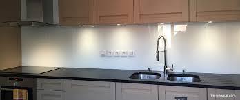 cuisine verre crédence en verre laqué pour votre cuisine verre laque com