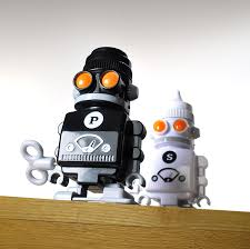 amazon com uk wind up robot salt u0026 pepper shakers salt and