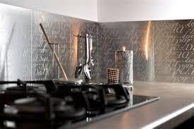 plaque autocollante cuisine awesome revetement adhesif mural cuisine 2 plaque aluminium