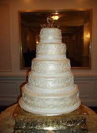 wedding cakes wi wedding cakes white scroll work tamara s cakes fox valley wi
