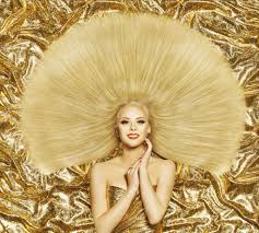 Frisuren Lange Gerade Haare by Style Model Fashion Lange Gerade Frisur Frau Gold Farbe