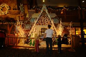 life size gingerbread houses at great wolf lodge north texas kids
