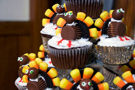 thanksgiving turkey cupcakes with oreos and