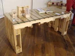 plan pour fabriquer un bureau en bois plan de travail palette stunning table rabattable cuisine avec le