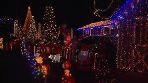 dayville u0027s amarante family lights up christmas season fox 61