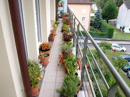 Apartment Patio Decorating Ideas by 59 Brilliant Ideas For Planting A Balcony Herb Garden With Brown