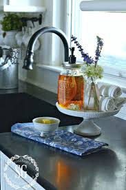 Kitchen Window Sill Decorating Ideas by Best 20 Kitchen Sink Decor Ideas On Pinterest Kitchen Sink Diy