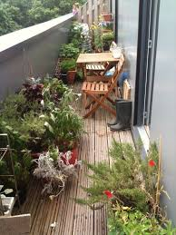 Potted Plant Ideas For Patio by Lawn U0026 Garden Impressive Vintage Balcony Gardens Ideas Using