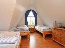 schlafzimmer 10m2 einrichten dachgeschoss schlafzimmer mit bad dachausbau ideen schr g ist sch n
