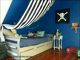 idee decoration chambre bebe decoration pirate chambre bebe deco pirate chambre garcon sticker