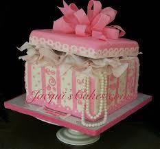 wedding cake gift boxes 123 best doboz torták images on amazing cakes