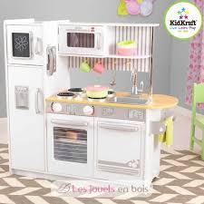 cuisine en bois pour fille décoration grande cuisine pour fille 17 nantes 06080443 ronde