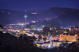 christmas light show pigeon forge tn which season is the best time to visit gatlinburg tn
