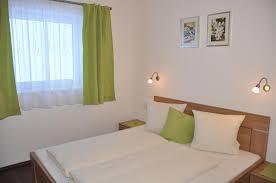 Schlafzimmer Komplett H Fner Appartements Montana österreich Vent Booking Com