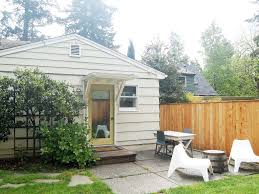 Backyard Guest Cottage by Private Guest Cottage In First Addition Lak Vrbo