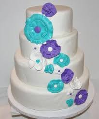 blue and purple wedding cakes white and purple ombre wedding