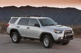 2010 toyota 4runner revealed offered with 4 cylinder and v6