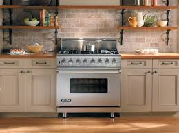 Kitchen Appliance Stores - why do appliance stores sell certain brands