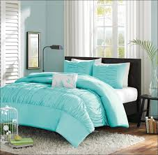 Male Queen Comforter Sets Bedroom Amazing Masculine Bedding Apartment Therapy Male Bedroom