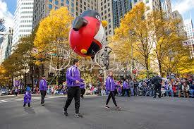 novant health thanksgiving day parade schneider