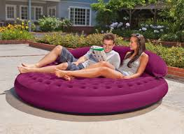 canap gonflable ext rieur pouf gonflable lounge cosy prune intex jardideco