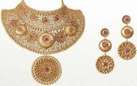 bridal gold set bridal jewelry tarun tahiliani for azva or manish arora s amrapali