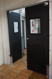 Kitchen Saloon Doors Locking Swing Open Traffic Doors Ruff Tuff Door With Lock