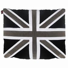 british flag dog beds that are a must for patriotic pets