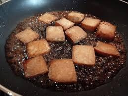 cuisiner le tofu ferme recette du tofu caramélisé à la vietnamienne la tendresse en cuisine