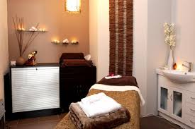 massage room i like the candles on the wall massage my love