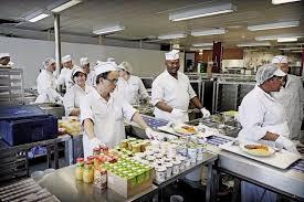 commis de cuisine geneve santé descente dans les cuisines de l hôpital ève actu
