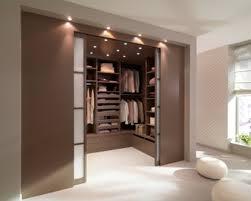 chambre avec placard idées de décoration impressionnant superbe rideaux pour placard de