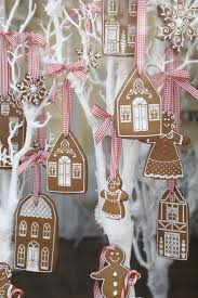 Most Beautiful Christmas Decorated Homes Best 25 Christmas House Decorations Ideas Only On Pinterest