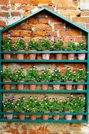 How To Make Vertical Garden Wall - verticale tuin hoe maak je deze zelf en wat is het onderhoud