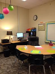 Kidney Table For Classroom Best 25 Small Group Table Ideas On Pinterest Small Groups
