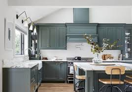 how to paint cabinets with benjamin advance painting kitchen cabinets the complete guide