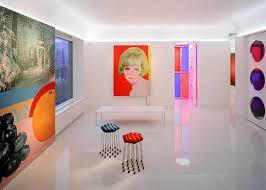 Colorful Interior Modern And Elegant Interior Design With Art Wall - Interior design retro style