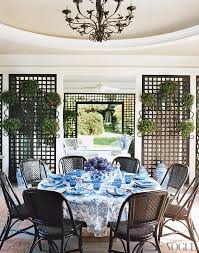 tory burch dinnerware a tour of tory burch s house in the htons gracious style blog