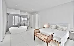 chambre blanche moderne chambre blanche 13 idées déco pour une chambre classe et épurée