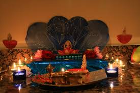 file goddess lakshmi inside a home for diwali puja jpg wikimedia