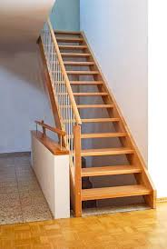 gerade treppe treppen stufen holztreppen restauration schreinerei holz und