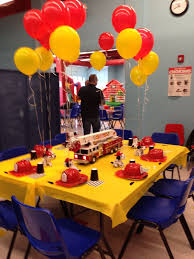 Construction Themed Centerpieces by Best 25 Yellow Party Decorations Ideas On Pinterest Streamer