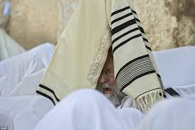 prayer shawl from israel passover blessing at jerusalem s western wall day after women are